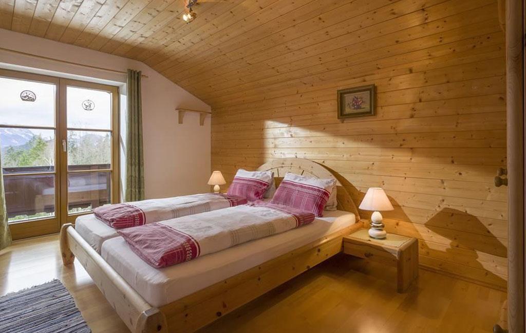 alpengasthof-schneeberg-chalet-chalet-haupthaus-schlafzimmer-ansicht