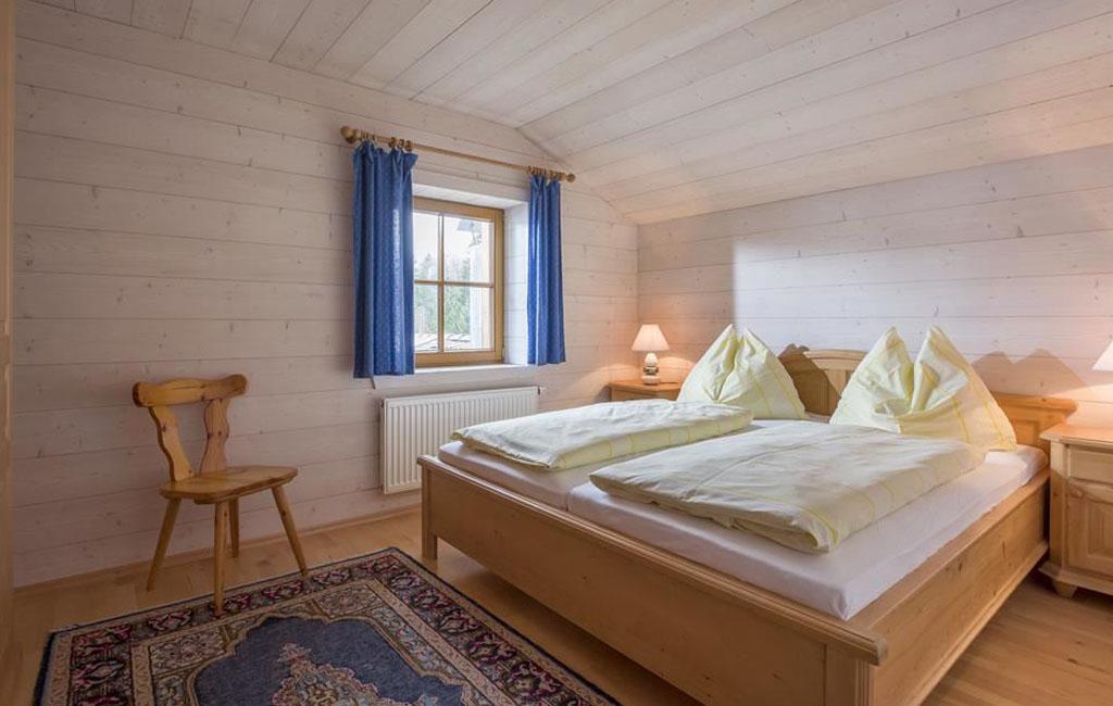 alpengasthof-schneeberg-chalet-chalet-haupthaus-schlafzimmer