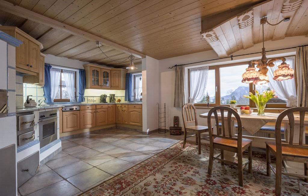 alpengasthof-schneeberg-chalet-chalet-haupthaus-wohnzimmer-ans.