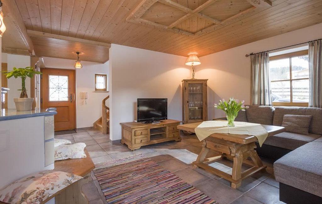 alpengasthof-schneeberg-chalet-chalet-haupthaus-wohnzimmer
